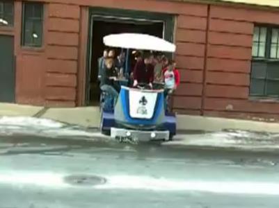 まるで小型バス…14人乗り自転車の映像が話題に