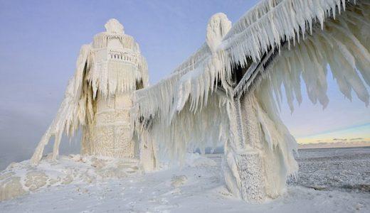 【白すぎ!】#FFFFFEぐらい白い!寒波で凍った世界中の名所が美しいと話題に!