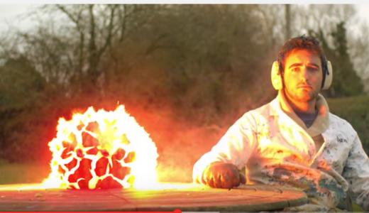 【衝撃映像】2500fpsで録画したスイカの爆発映像がすごすぎると話題に