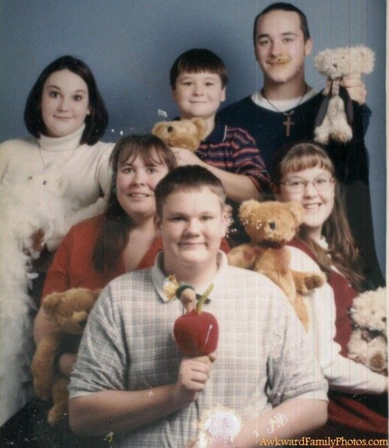 grin-and-bear-it-awkward-family-photos